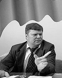 «Пускай подают иски! Нельзя сидеть на двух стульях сразу. Мы хотим просто прекратить шизофрению в наших собственных рядах», – заявил газете ВЗГЛЯД Митрохин (Фото: Артем Коротаев/ВЗГЛЯД)