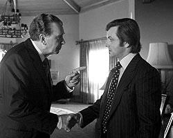 Время, как и предупреждал Никсон, всех рассудило. Вот вы фамилию Фрост раньше слышали?