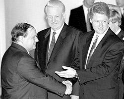 «Гайдара усиленно навязывали Ельцину США, суля России десятки миллиардов помощи» (фото: ИТАР-ТАСС)