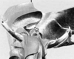 Золотая статуя Туркменбаши, которая была расположена в Ашхабаде (фото: vesti.ru)