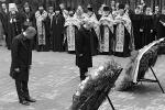 Путин и Туск возложили венки к мемориалу