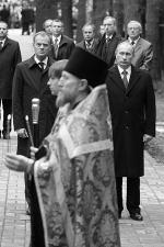 На кладбище священнослужители различных конфессий совершили молитвы над могилами