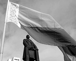 оюз России и Белоруссии с самого момента своего учреждения вышел в стационарный режим циклического выяснения отношений (фото: Reuters)