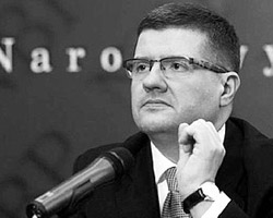 Исчезнувшие с руки покойного главы Нацбанка  Польши (на фото) швейцарские часы могут вызвать новый скандал в  отношениях двух стран (фото: money24.pl)