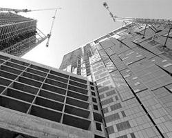 Такие здания – ввиду особой сложности инженерной начинки имеют наверху технические этажи, обеспечивающие непростое высотное функционирование (фото: ИТАР-ТАСС)