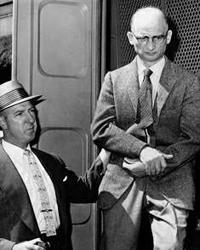 На допросе Вильям Фишер назвался его Рудольфа Абеля, чтобы передать руководству в Москве весточку о том, что он аректован (фото: pseudology.org)