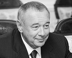 По некоторым сведениям Алексей Чернышев вместе с пенсией и дополнительными выплатами из регионального бюджета получает до 1,5 млн рублей в год (фото: ИТАР-ТАСС)