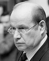 Вместо обещанных 5,1 млн рублей Владимир Чуб будет получать не более 1,169 млн рублей (фото: РИА