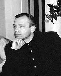 Генеральный директор  некоммерческого объединения «Центр экологических инициатив» Владимир  Кузнецов считает, что существование свалок выгодно (Фото:  zamos.ru)