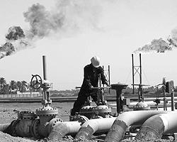 В результате войны цены на нефть существенно выросли – что едва ли пошло на пользу стране – импортеру нефти – США (фото: Reuters)