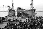 """Данный фрегат - первый военный корабль дальней морской зоны, спущенный на воду со времен СССР <a href = """"http://vz.ru/society/2010/10/29/443517.html"""" target = """"_blank"""">Подробности</a>(фото: ИТАР-ТАСС)"""
