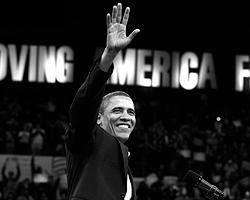 Обама, как известно, истинно «афроамериканец» - сын эмигранта из Кении ... «Терминатор» - эмигрант из Австрии, а Киссинджер – из Германии. Эмигранты в первом-втором поколении ! Да уж – из народа, с самого низа котла, не поспоришь. Американская мечта ставшая былью – это не пропаганда (Фото: Reuters)