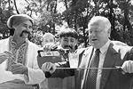 Виктор Черномырдин был посвящен в запорожские казаки в августе 2001 года (фото: ИТАР-ТАСС)