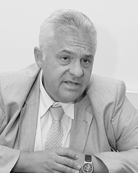 Владимир Овчинский полагает, что «теневая» Россия сорганизована гораздо лучше легальной (Фото: ИТАР-ТАСС)
