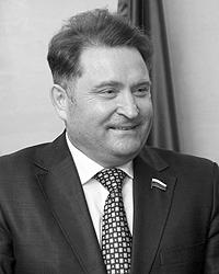 Михаил Ненашев подчеркивает, что размер военной пенсии неприемлемо низок (Фото: polardpf.ru)