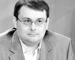 Глава думского комитета по экономической политике и предпринимательству Евгений Федоров считает, что фонду ЖКХ стоило бы поактивнее решать проблемы людей (Фото: РИА
