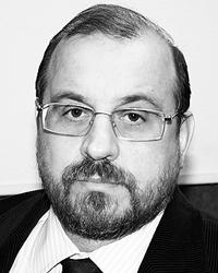 Александр Каньшин утверждает, что в проблемах с формой виноваты не дизайнеры, а изготовителя утеплителя (Фото: radiorus.ru)