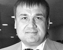 По мнению Алексея Филатова, «черные ястребы» – представители молодежи, лояльно настроенные к существующему порядку(Фото: ИТАР-ТАСС)
