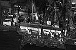 Японские власти эвакуировали людей из 20-километрой зоны вокруг АЭС и ввели запрет на полеты над станцией в радиусе 30 километров