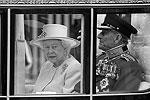 Королева Елизавета II с супругом принцем Филиппом в Вестминстерском аббатстве (фото: Reuters)