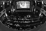 В лондонских кинотеатрах главным сеансом стала прямая трансляция свадьбы принца Уильяма и Кейт Миддлтон (фото: Reuters)