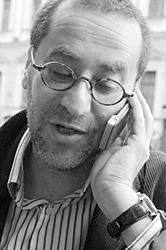По мнению Константина Тублина, «Национальный бестселлер» - номинальное определение, ведь продавать книги становится все труднее (фото: prochtenie.ru)
