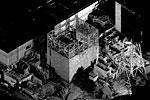 """Решение о закрытии энергоблоков специальными листами из полиэфирной синтетической пластмассы было принято из-за опасений, что обильные дожди, сезон которых приходится в Японии как раз на первые летние месяцы, могут не только осложнить работы персонала на АЭС, но и привести к еще большему распространению радиоактивных элементов, которые смешаются с водяными потоками <a href = """"http://www.vz.ru/news/2011/6/15/499534.html"""" target = """"_blank"""">Подробности</a>(фото: Reuters)"""