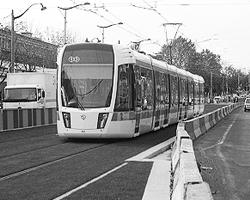 Огражденная линия T3 в Париже(фото:  wikipedia.org)