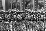 Венесуэльская армия, по мнению президента страны, способна отстоять свободу государства в тысячах сражений (фото: Reuters)