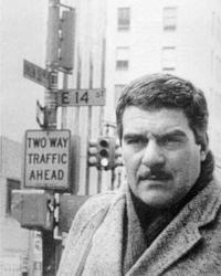 Сергей Довлатов на 14-й улице Манхеттена (1981 год) (Фото: Н. Аловерт/sergeidovlatov.com)