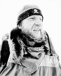 По мнению Виктора Боярского, основной проблемой Арктики являются тысячи брошенных бочек с горючим (фото: ИТАР-ТАСС)