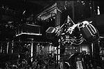 В недалеком будущем людей на боксерском ринге заменили роботы. Так победил гуманизм (фото: Touchstone Pictures)