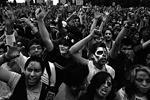 Мексиканцы очень любят различные костюмированные шоу, связанные с темой смерти. Впрочем, парады зомби проводятся не только в Мехико, но и в других городах мира, в частности, в США и Австралии. По сути, карнавал напоминает второй Хэллоуин, который, однако, целиком празднуется на улицах (фото: Reuters)