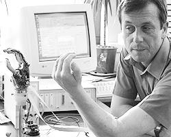 Крупнейший специалист в области технической кибернетики Кевин Ворвик (фото: kevinwarwick.com)