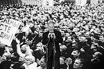 Премьер сообщил, что только что на совещании в Кемерово было принято чрезвычайно важное решение – одобрена программа развития горнодобывающей отрасли до 2030 года. «Я регулярно бываю в горняцких регионах: и по праздникам, и в дни трагедий, и просто по рабочим поводам», – сказал Путин (фото: ИТАР-ТАСС)