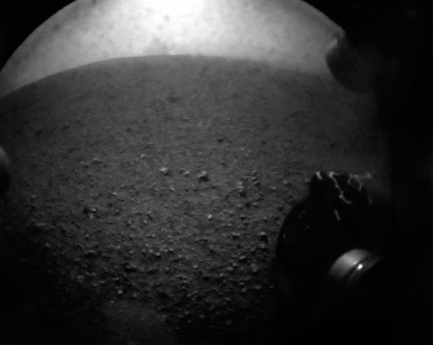 первый кадр с марсохода