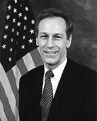Вирджил Гуд, кандидат от Конституционной партии, бывший член Палаты представителей от Вирджинии (фото: U.S. Congress)