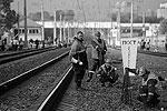 Железнодорожное полотно в результате крупной аварии не повредилось, но оборвалась контактная сеть главного пути, по которому в рабочие часы ходят электрички на Москву (фото: ИТАР-ТАСС)