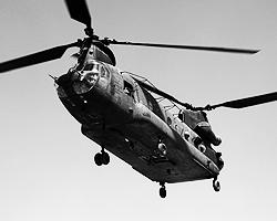 Вертолет CH-47 Chinook эксплуатируется с начала 1962 года. Поставлялся на экспорт в 16 стран мира. Стоимость одной машины составляет 29,9 млн долларов (фото: Reuters)