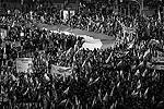 В прошлом году аналогичная демонстрация националистов вылилась в крупные беспорядки, в результате которых 70 человек получили ранения, в том числе 30 полицейских (фото: Reuters)