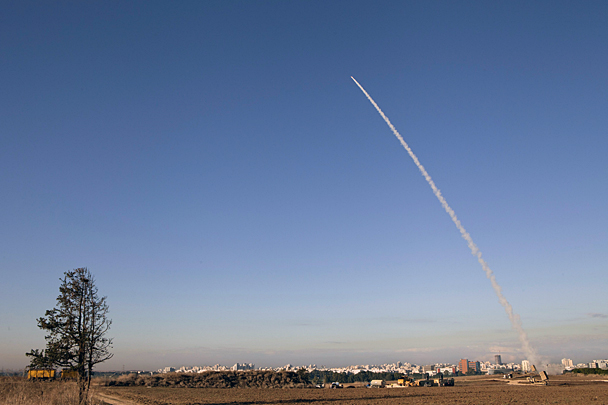 In response to an attack from the Gaza Strip were released rockets towards Israeli territory