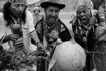 Шаманы провели ряд ритуалов, которые должны предотвратить конец света (фото: Reuters)