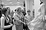 Медведев поздравил детей с новогодними праздниками и сказал, что детдом неузнаваемо изменился после капитального ремонта. «Сейчас ваш дом, «Звездный», стал совершенно другим: современным, красивым, очень разнообразный набор помещений», – сказал премьер (фото: ИТАР-ТАСС)