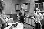 Медведев рассказал, что каждый раз, приезжая в детский дом «Звездный», они с супругой не перестают удивляться многообразию талантов воспитанников. Премьер заявил, что российские власти постараются сделать все для обеспечения высокого уровня жизни в детских домах страны (фото: ИТАР-ТАСС)
