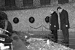 Президент Владимир Путин возложил цветы к вечному огню в Пантеоне славы у подножия Мамаева кургана (фото: ИТАР-ТАСС)