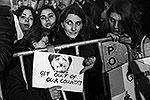 На Кипре граждане были до крайности возмущены требованием Еврогруппы обложить налогом вклады в банках ради спасения страны от дефолта. Они провели акции протеста, в ходе которых не стеснялись в выразительных средствах (фото: ИТАР-ТАСС)