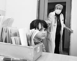 Педиатр в  детской поликлинике (Фото: ИТАР-ТАСС)