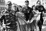 Несанкционированная акция началась в 13.00 у здания Госдумы, хотя правоохранительные органы предупреждали участников о недопустимости проведения несогласованных митингов (фото: ИТАР-ТАСС)