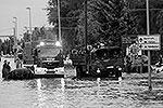 Вода прорвала дамбу на реке Эльбе у города Магдебурга. Вероятнее всего, это произошло из-за наводнения – уровень реки был в четыре раза выше обычного. Однако власти получили подозрительное письмо с угрозой подрыва дамб (фото: Reuters)