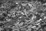 Вид сверху на некогда зеленые и цветущие места. В городе Ярнелл сожжены почти три сотни домов, жители эвакуированы (фото: Reuters)